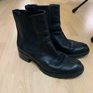 Timberland pull on Chelsea ankle boot